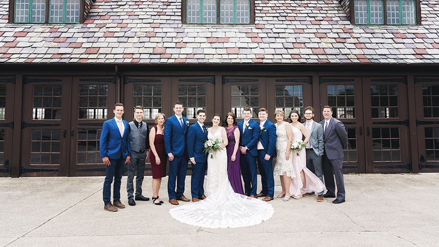 7 Tips to Make Your Detroit Wedding Stress Free - Remind Family Members that They Will be in Pictures