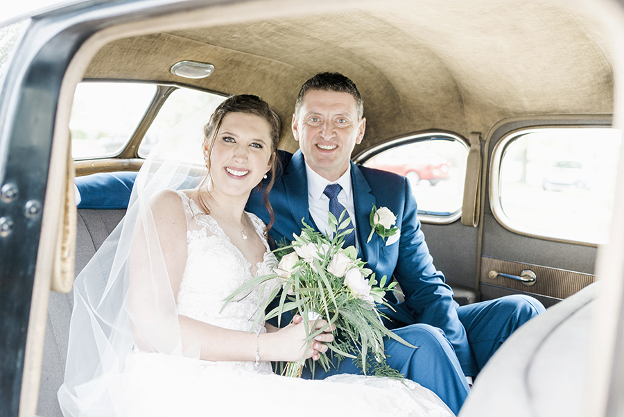 7 Tips to Make Your Detroit Wedding Stress Free - Hire a Transportation Company